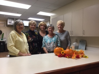 Hostesses Beverly Compton, Joyce Lanning, Janice Sullivan, Donna Blume (chair), and Jean Smithson.